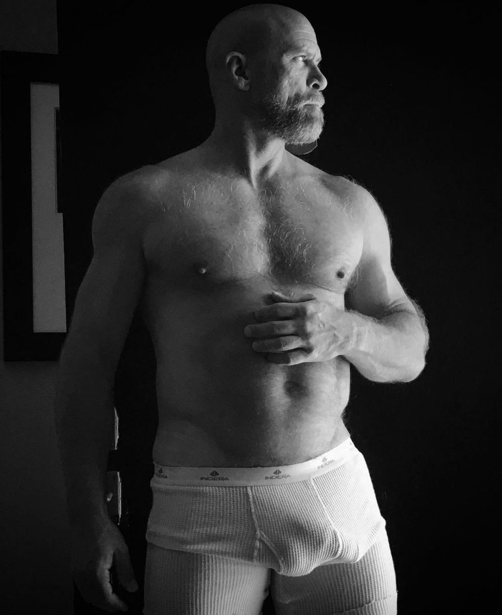love waking up like this  #daddy #muscledaddy #daddyaf <br>http://pic.twitter.com/j6bPLJJK3P