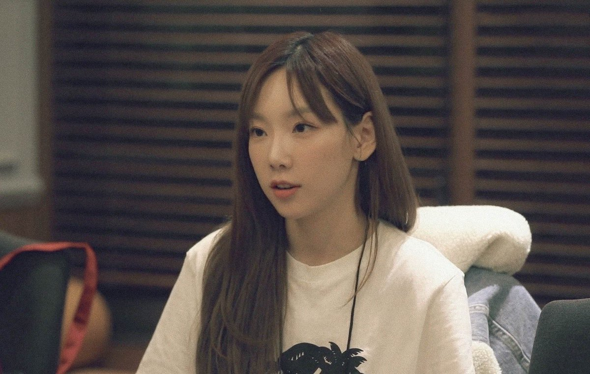 Non-whitewashed Taeyeon who's barely wearing a makeup  THATS IT. THATS THE TWEET. <br>http://pic.twitter.com/7ZGp2lkQym