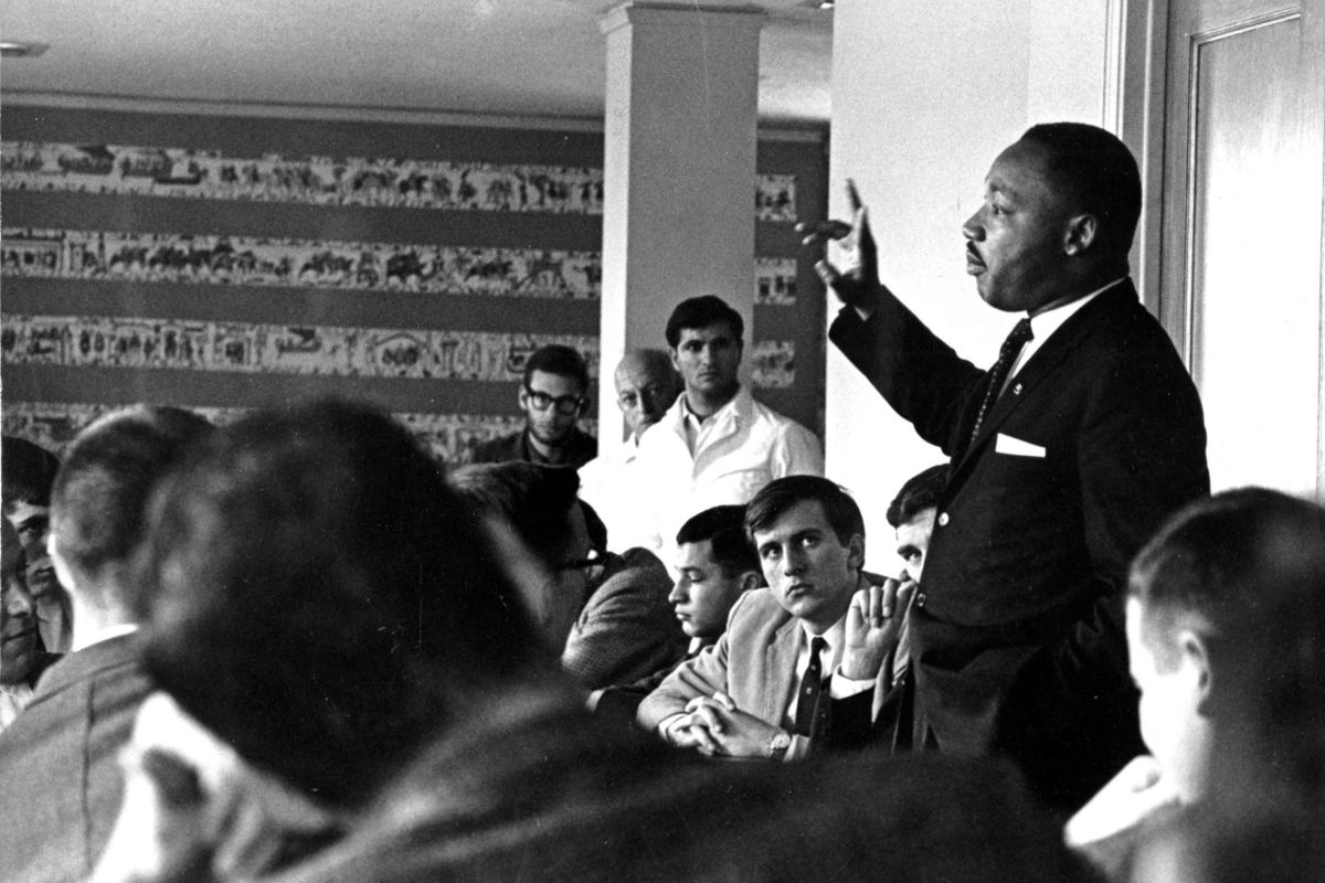 test Twitter Media - The Rev. Dr. Martin Luther King Jr. visited Wesleyan in 1964 and was awarded an honorary degree. Later that same year, the Rev. Dick Cadigan '59, P'86 had his own opportunity to meet Dr. King -- a chance encounter his son details in this letter: https://t.co/8hZg15YqQz https://t.co/6fTwXrAppz