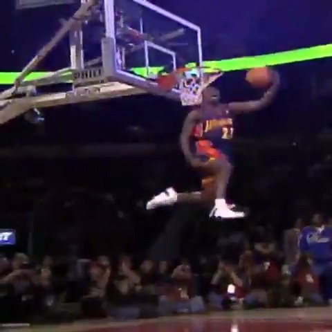 tbh we still think about the 2002 & 2003 Slam Dunk Contests from time to time   @jrich23    #DubNation