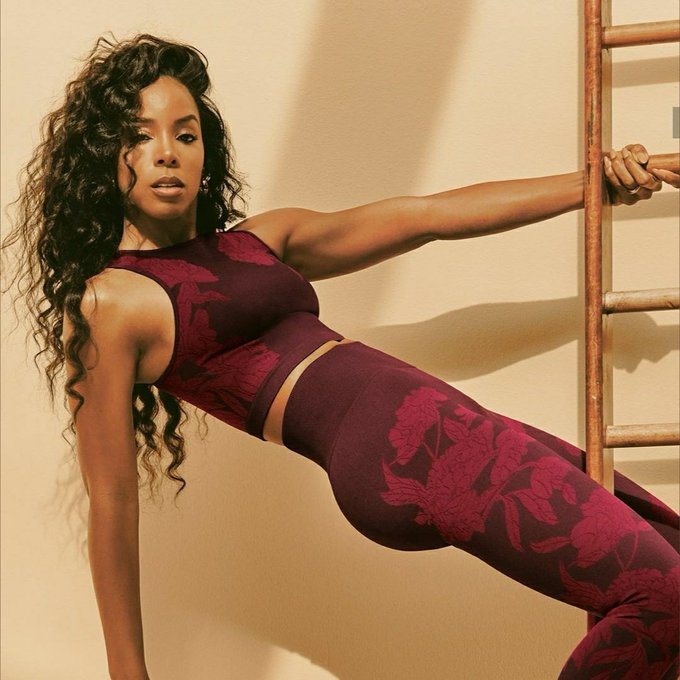 Lets take a moment to wish  Kelly Rowland a Happy Birthday
