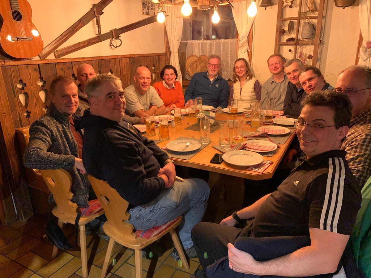 Enjoyable evening & scientific discussionsGSMS Winter School #Kirchberg #Tyrol #Austria   @AndriyMokhir @GroupGuldi @raifi @EAKataev @AmsharovG #HIRSCHgroup #JUXgroup #FAU @FAU_Germanypic.twitter.com/3t3kiGbpE9