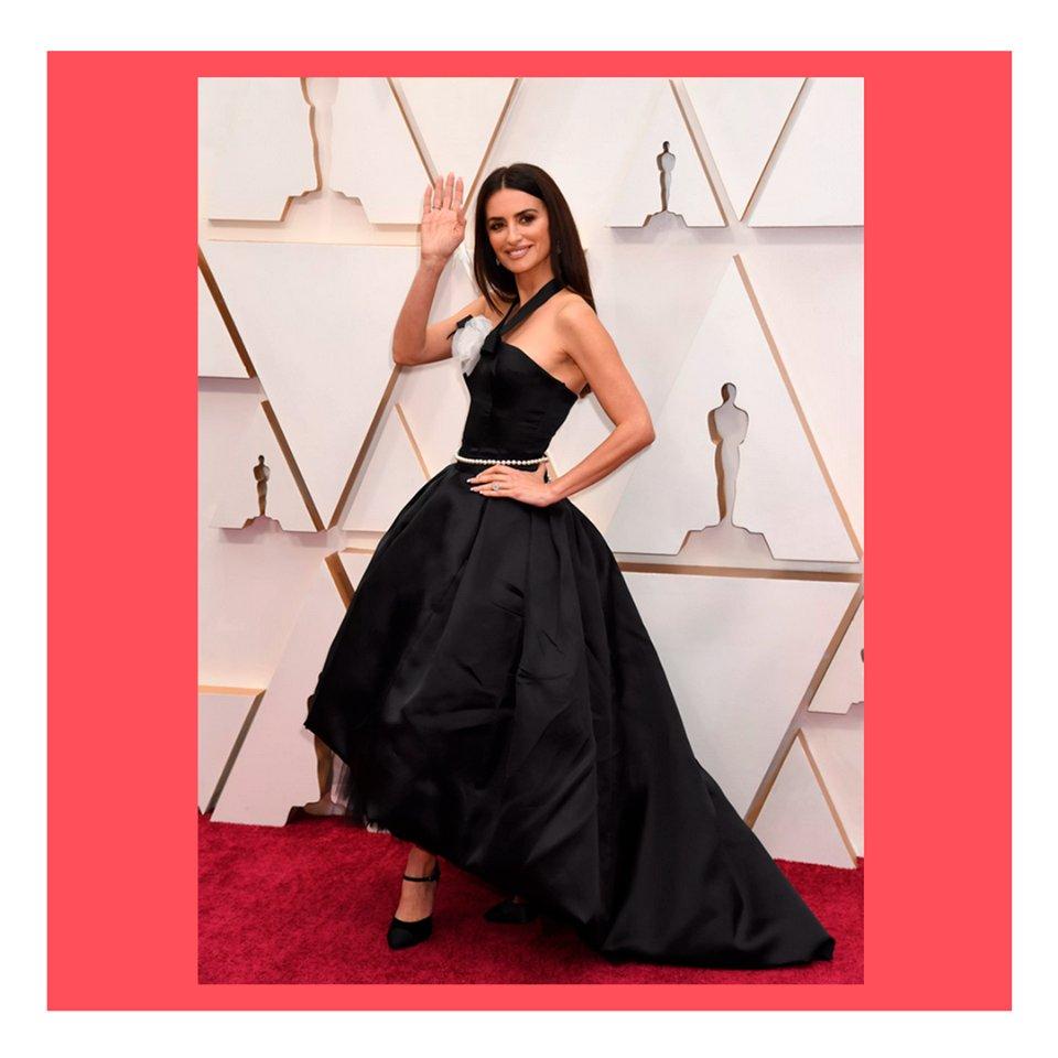 O red carpet do Oscar 2020 foi um verdadeiro desfile!  Margot Robbie, Penelope Cruz, Sandra Oh e Natalie Portman chamaram a atenção com detalhes mega especiais. #oscars #redcarpet #fashion #tapetevermelho #Oscars20pic.twitter.com/FhEoK6tc56