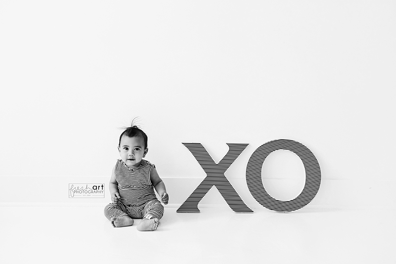 When I do mini sessions I always allow parents to have their children captured on the white wall if they want AND if time allows b/c while backdrops are so fun, sometimes the more simple is just as cute! #valentineminisession #valentinebaby #stlouisstudiophotographerpic.twitter.com/lbvv15aL5c