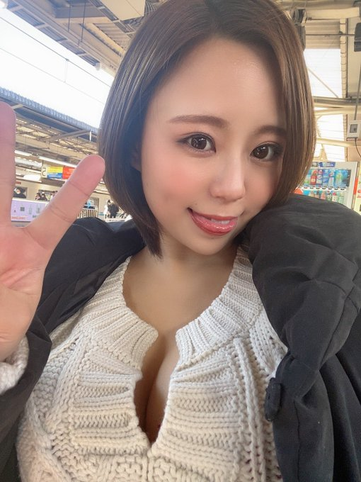 AV女優神谷充希のTwitter自撮りエロ画像16