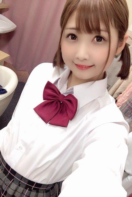 AV女優山井すずのTwitter自撮りエロ画像33