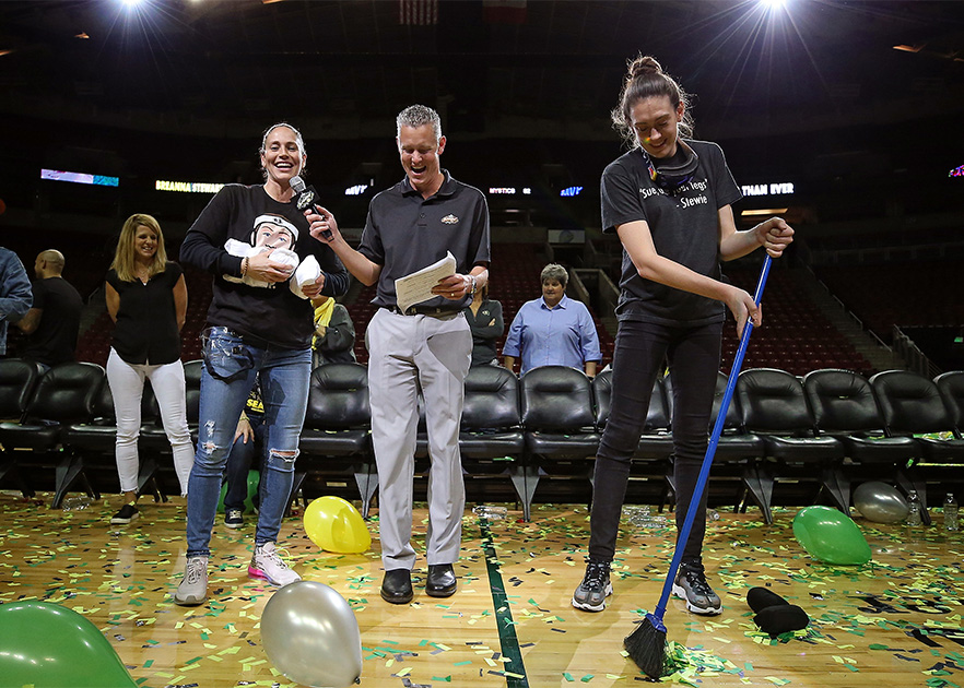 Y'all are a couple years late to this whole broom thing... 🧹  @breannastewart @S10Bird  #broomchallenge