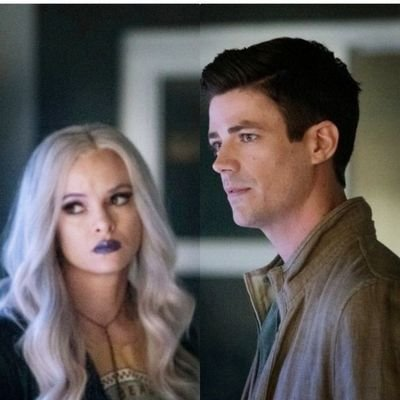 """Q10: Yep well, don't care if you see my #Snowbarry bias.  Caitlin has ALWAYS been Barry's peer/equal/match.  Iris is forever trying to PROVE that she and Barry are """"equals.""""  Iris = Try too Hard.  Agree or disagree?  #FlashChat #TheFlash #LoveIsaBattlefieldpic.twitter.com/1dXDpGhlCD"""