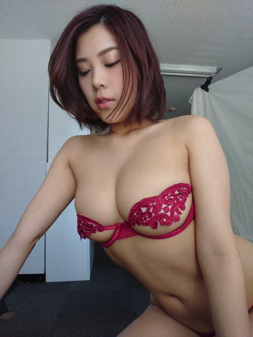 グラビアアイドル内田瑞穂のTwitter自撮りエロ画像1