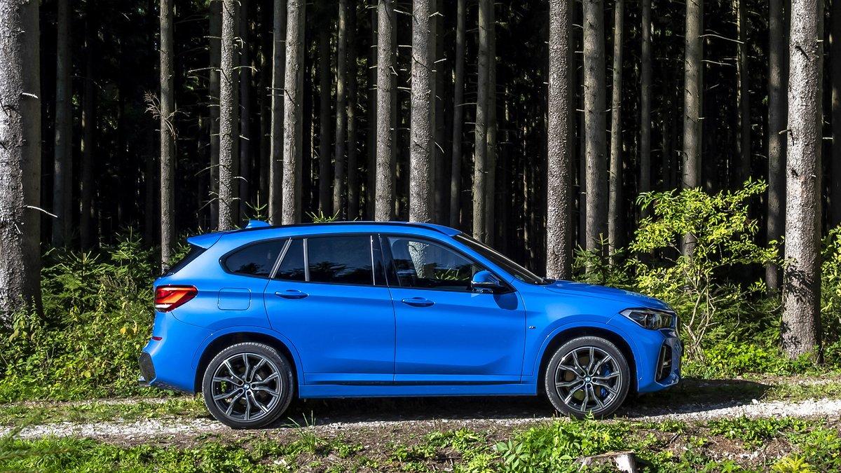 Σλάλομ ανάμεσα στα δέντρα. Με την #BMW #X1.  #THEX1