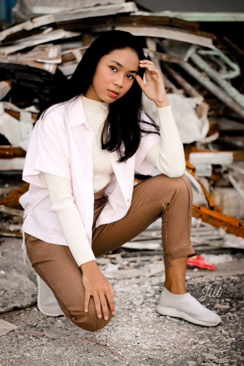 Place is not the thing that make the photo looks better.  I took this photo at pile of junks, and i thing it is good enough.  #art #photography #photoediting #hobifoto #cinematography #hobby #womanlook #womensfashion #womenstyle #womanportrait #portraitpage #wicidaphotographypic.twitter.com/aO11Jm27Vb