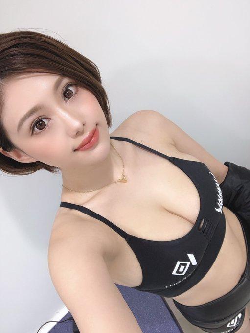 グラビアアイドル山本ゆうのTwitter自撮りエロ画像35