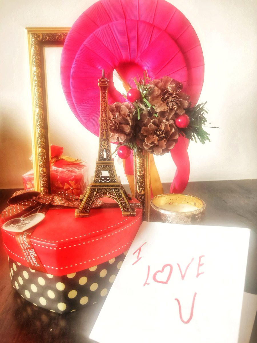 Valentine Gifting Idea's for long DistanceCouple http://prismaroundgurjeet.com/valentine-gifting-ideas-for-long-distance/…