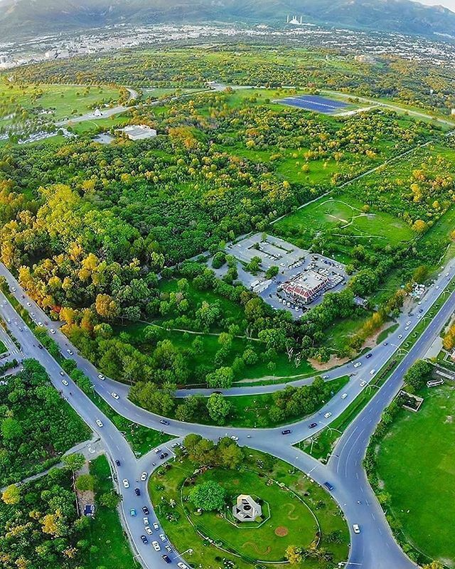 What do you think about this view of Islamabad?  . Photo credits (DM for credits) . Visit us @im_in_pakistan . Submit your photo using hashtag #iminpakistan . #f9park  #aerialview  #capitalcity #islamabad  #islamabaddiaries  #pakistan  #rainyday … https://ift.tt/2SibIs6pic.twitter.com/O7nJrGVbBk