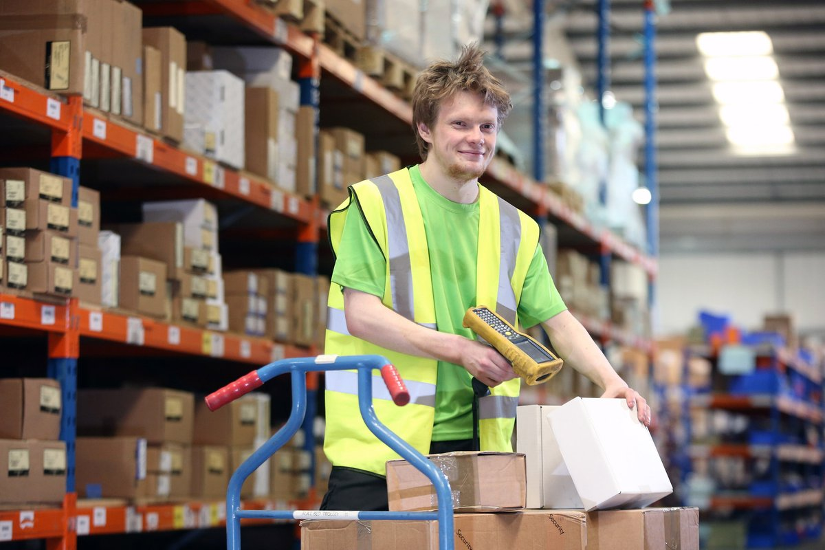 Want to train to become a supply chain warehouse operative?  Explore now 👉 http://freshfieldtraining.com/courses/