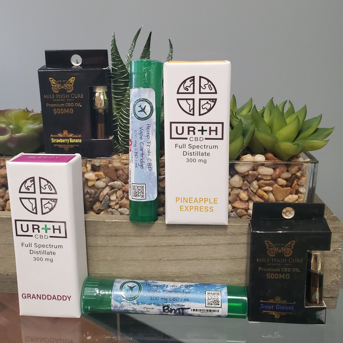 #TodaysSpecial are #VapeCartridges Did you know #VapingCBD has been shown to strengthen lungs in studies? #Hemp #CBD We are #NowOpen in #OaklandTN at 7085 Highway 64 and in #MemphisTN #The9oh1 at 2690 Kirby Whitten Road #CannabisCures#HempHelps #CBDPlusSoMuchMorepic.twitter.com/1dtbDaZgCq