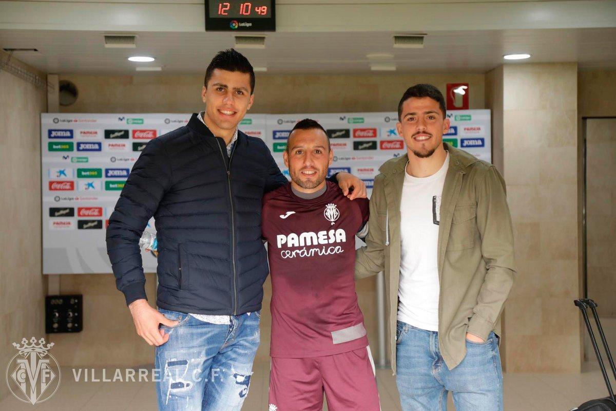 ¡Vaya sorpresa más 🔝! Los canteranos amarillos @pablofornals y Rodrigo Hernández han venido a ver el entrenamiento de hoy y han saludado a sus excompañeros del #Villarreal 💛.