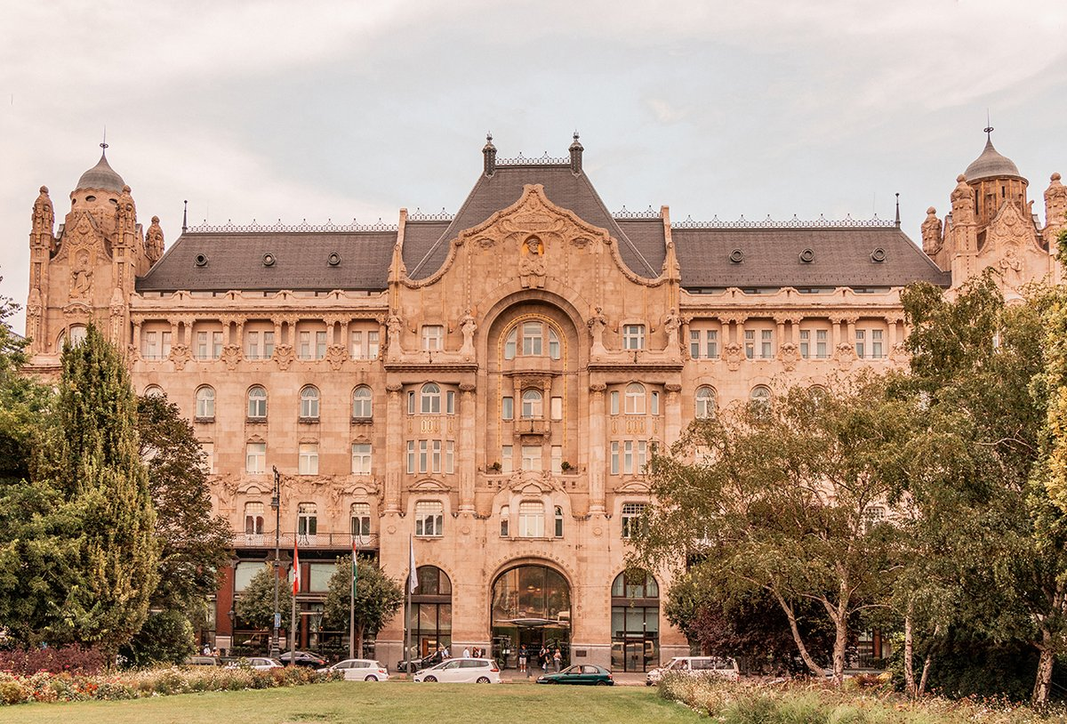With great delight we announce that @FSBudapest has been awarded the @ForbesInspector #ForbesFiveStar rating for the fourth year in a row. We are the only hotel in #Budapest that received a Five-Star award, while our Spa boasts Four Stars. ⭐️ #FSBudapest https://t.co/xFkpyKArUw https://t.co/ctDAxlASMV