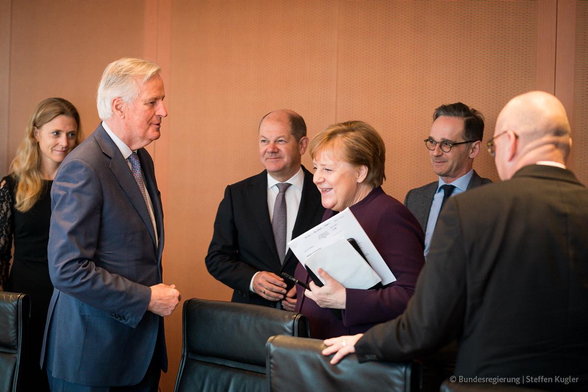 Heute zu Gast im Kabinettsausschuss #Brexit: Der EU-Chefverhandler @MichelBarnier. Es ging um die anstehenden Verhandlungen über das künftige Verhältnis zwischen der Europäischen Union und dem Vereinigten Königreich.