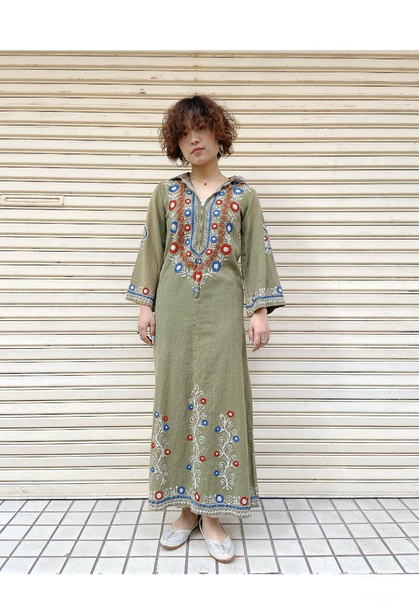vintage pakistan cotton dress👗春になると着たくなる刺繍モノなどワンピースたくさん入荷しています🌼