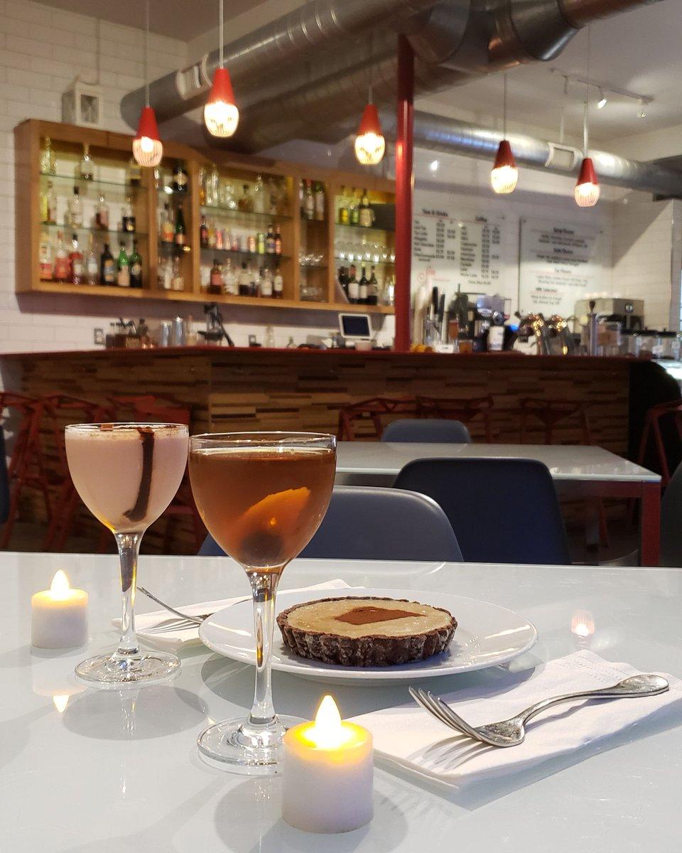 Join us this weekend for #Valentines #cocktails & #desserts perfect for sharing! #eatwicked #drinkwickedtoo #providence #rhodeisland #401love #eatdrinkri #datenight #pvdnightlife #westsidepvd #barsinprovidence #dessertinprovidencepic.twitter.com/2yknBm8ngB
