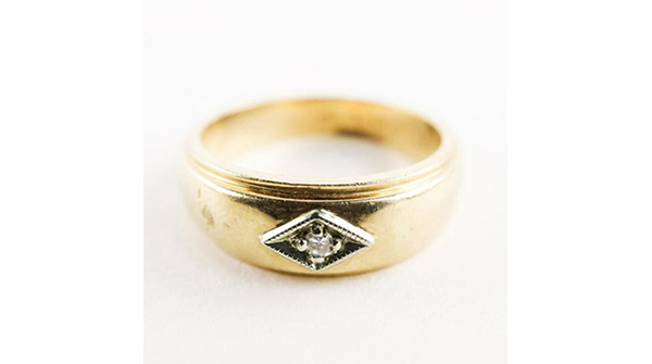 Estate 10kt Gold Diamond Ring Size 6 1/4 3.93gr https://auction.auctionnetwork.ca/Estate-10kt-Gold-Diamond-Ring-Size-6-1-4-3-93gr_i35939960… - Online Auction Wednesday February 12th, 2020 At 7:00 PM EST. Collector Estates | #Coins, #Banknotes, #Bullion, #Art, #Jewellery, #Sports & More! #OnlineAuction #CoinAuctions #EstateAuction pic.twitter.com/XSbryMqmvb