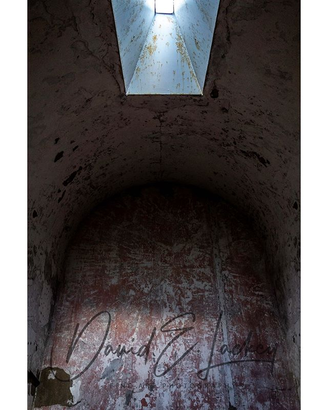 "Eastern State Penitentiary  From the ""Muros quod Vigilate et Scire"" project.  Link in bio  #philadelphia #philly #penitentiary #prison #abandoned #abandonedplaces #ruins #photography #naturallightphotography #photographer…  https://www.instagram.com/p/B8eXaT4AwUb/  via https://tweet.photo pic.twitter.com/T2FngF3w1O"
