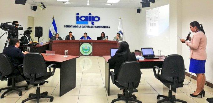 Ex comisionada: proceso oscuro en la elección de periodista para IAIP
