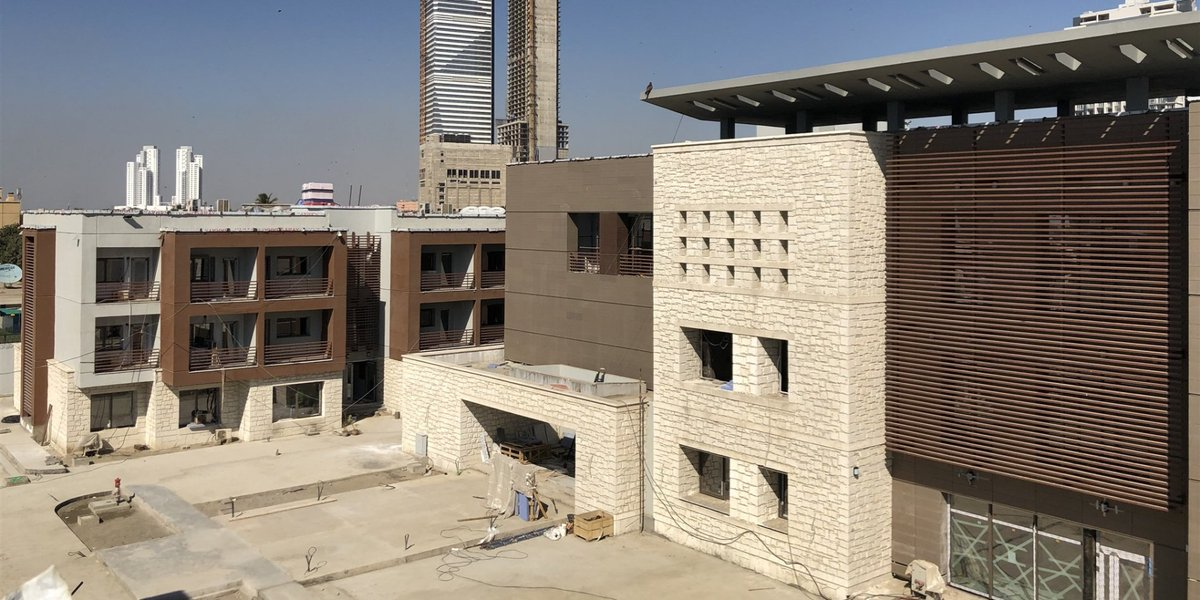 #Turkish consulate under construction in #Karachi, #Pakistan's largest city and main port, is going to be Turkey's largest consulate anywhere in the world. This symbolizes the importance #Ankara is giving to trade ties and its possible involvement in #CPEC. <br>http://pic.twitter.com/FFMEKyU5tE