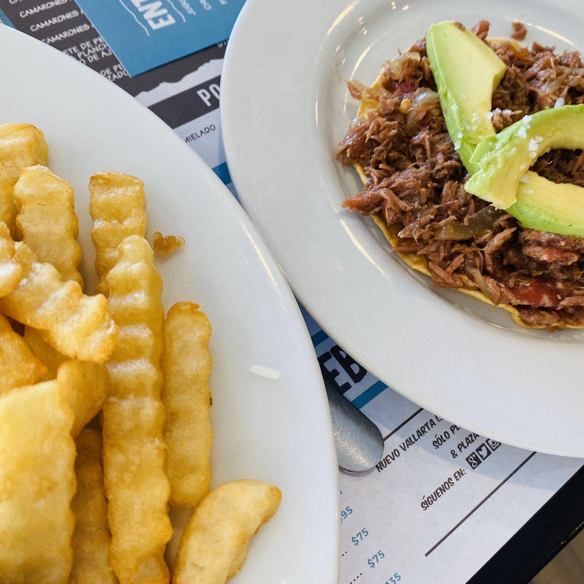 Ven a disfrutar de unas deliciosas #TostadasDeMarlin a #LaCevichería  Contáctanos vía WhatsApp 📲:  . . .  #PasiónPorLoFresco #PuertoVallarta#NuevoVallarta #DondeComer #palAntojo #PalHuequito #PaBotanear #Marlin #DeLoMejor