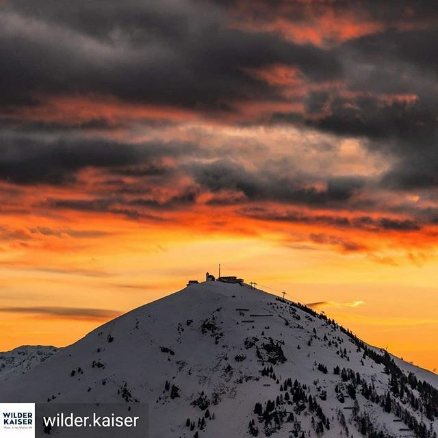 Reposted from @wilder.kaiser We thought you might appreciate this glamour shot of the Hohe Salve  Have a great evening, everyone! · · Photo: @__migu__. · #inechtnochschöner #söll #hohesalve #sunset #sonnenuntergang #wilderkaiser #kaisermomente #love… https://ift.tt/31MhzZQ pic.twitter.com/0qhzHWeuOf