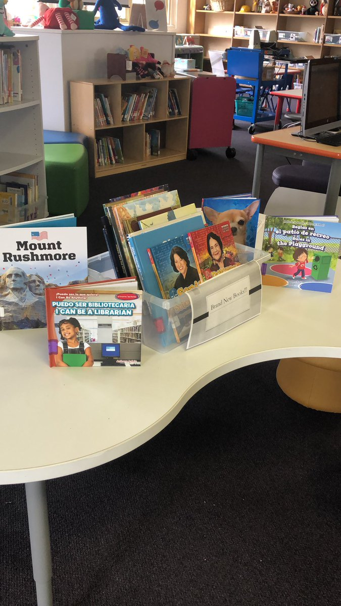 I love that new book smell! @DISD_Libraries @DASLORG @HARLLEEDISD #juniorlibraryguild #gumdropbooks