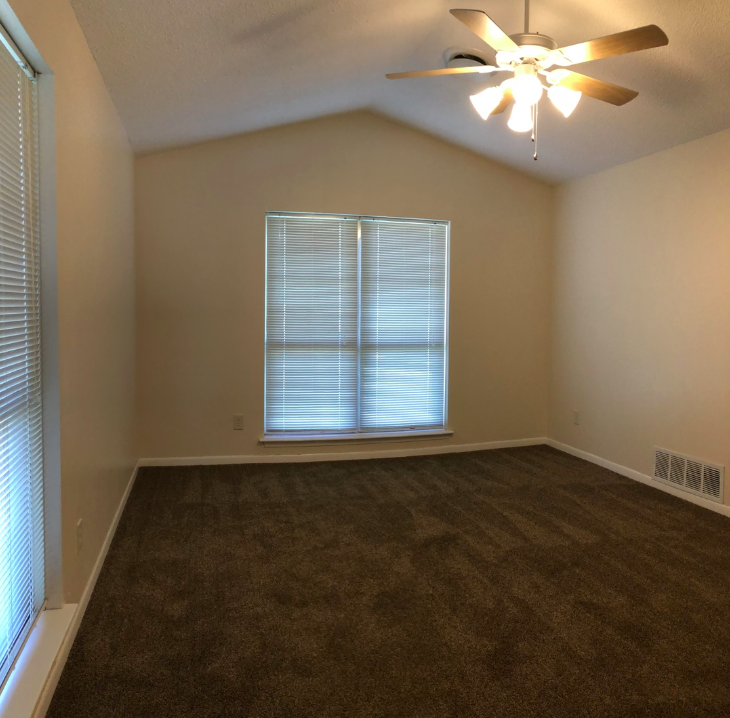 Deal of the Week: 2 WEEKS FREE RENT! Janis Dr. in Killeen  CALL US for details on this 3 bed / 2 bath home. Close to schools, in the  heart  of #KilleenTX for only $950 per mo.  NextHome Tropicana  (254) 616-1850  https://zcu.io/JMd9pic.twitter.com/6779jgcAf6
