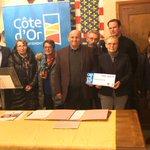 Plaisir d'être  present  pour  la signature du 33ème contrat Cap 100% Côte-d'Or avec ma collègue Martine  Eap-Dupin, conseillère départementale, et Dominique  Héry, Maire de Liernais. 280.000 € d'aides du @CD_CotedOr