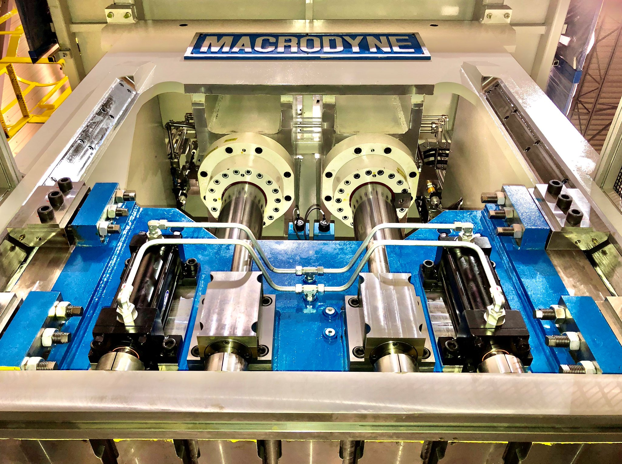 """Macrodyne Technologies on Twitter: """"Macrodyne 300 Ton Compression Molding Press, with #VFD, saves energy and costs. https://t.co/T7iAy5OsEI #hydraulicpress #pressautomation #consumerproduct #automotive #aerospace… https://t.co/E7CEpNVaSU"""""""