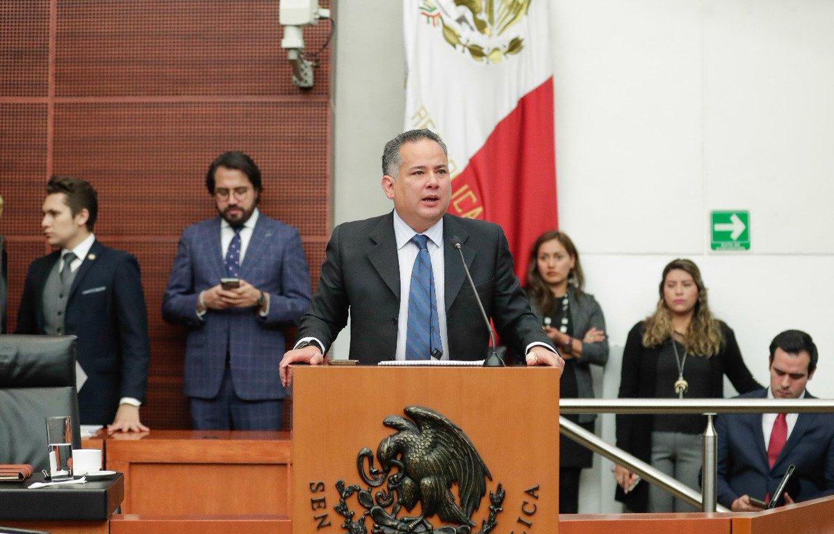 Hoy en el Senado, en el Parlamento abierto sobre el combate al outsourcing ilegal. Con mi amigo @zoerobledo