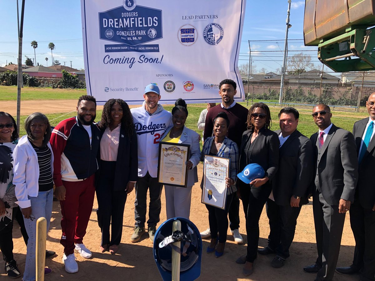 ⁦DodgersDreamfields Groundbreaking in Compton joined by LADodger ClaytonKershaw  @KershsChallenge⁩ @DodgersFdn⁩,Mayor ⁦@AjaLBrown⁩, ⁦@ComptonCityHall⁩Councilmember's, Ofc.of ⁦@mridleythomas⁩, ⁦@LA84Foundation⁩ and many others...