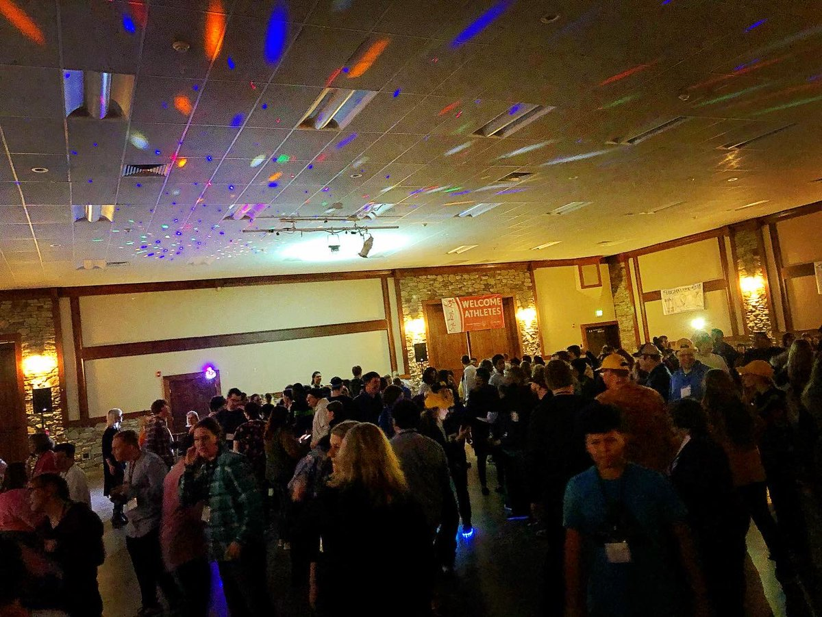 #mondaynight #DJ Dean got play for about 300 of his closest pals at the Special Olympics Victory Dance! What a fun night! #PittsburghDJ #PittsburghEvents #PittsburghEventDJ #SpecialOlympics #SpecialOlympicsWinterGames #7Springs #sevenspringspic.twitter.com/raz73nOa8s