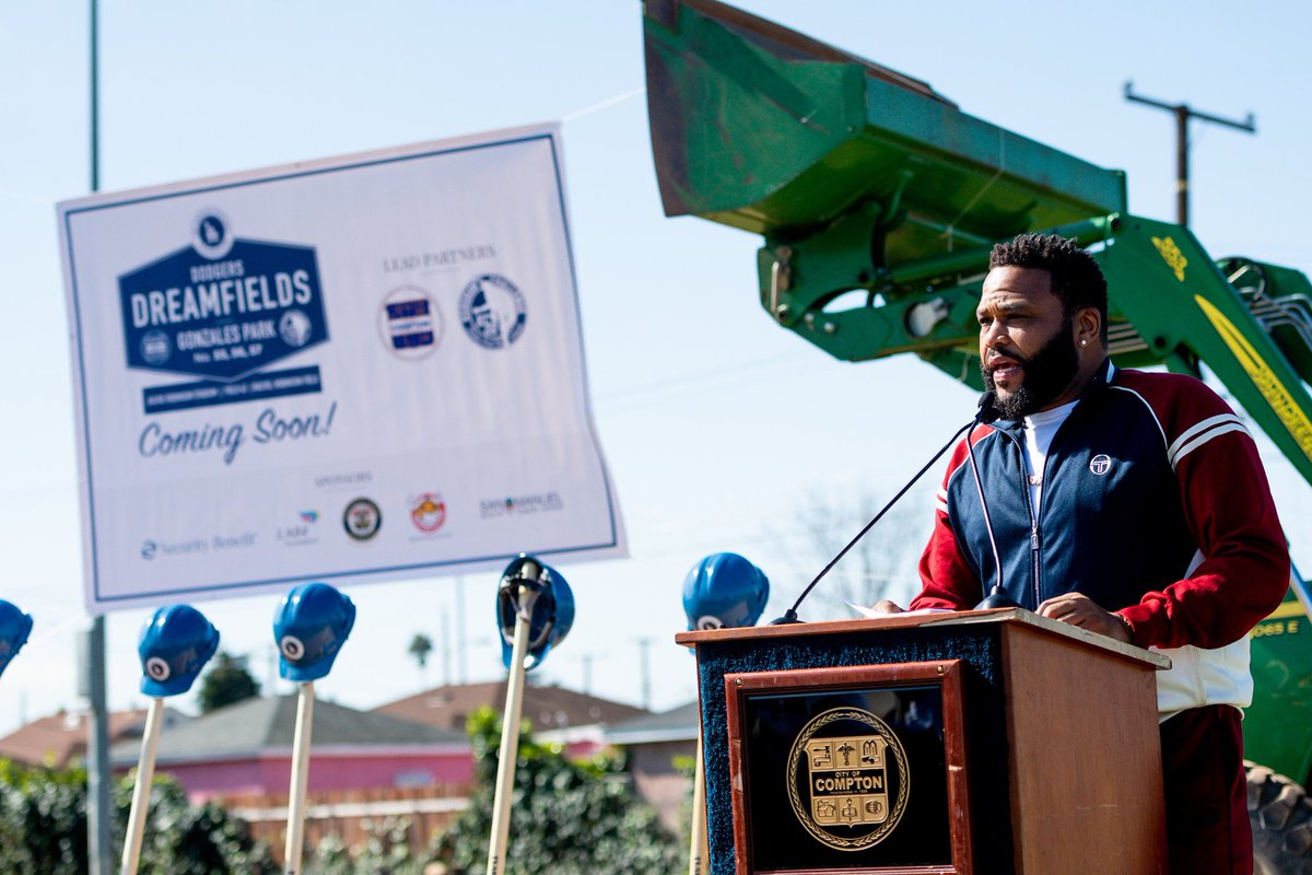 """The Los Angeles Dodgers Foundation is bigger than baseball. They are doing great things across LA, and right here in my hometown.. the City of Compton."" - @anthonyanderson #DodgersDreamfields #BiggerThanBaseball"