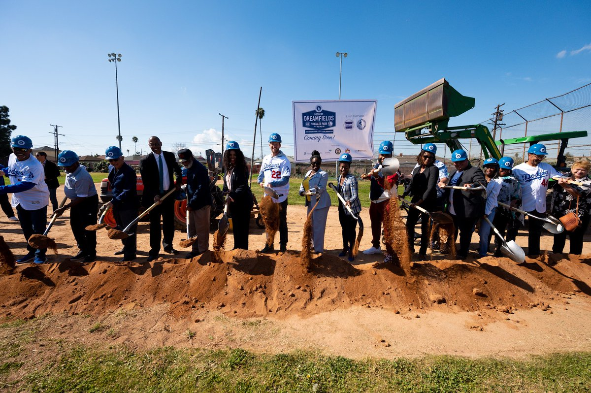 Now that's.. Groundbreaking. Swipe to read more about what's to come at Gonzales Park including the special tributes to Jackie Robinson and his family. #DodgersDreamfields #BiggerThanBaseball