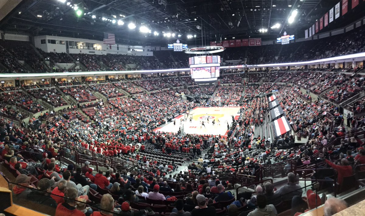 Buckeyes playing pretty well tonight......just nobody here to watch 'em!