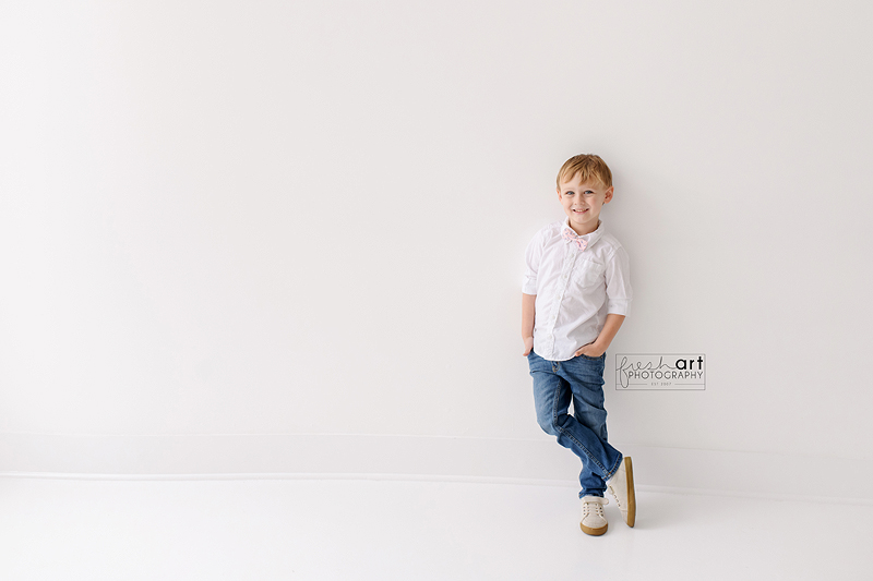 I got to capture this little man as he came into the world and seeing him SO BIG totally threw me! Why do kids grow up so fast?!?  #stlouischildphotographer #stlouiskidphotographer #stlouisstudiophotographer #stlouischildphotography #stlouiskidphotospic.twitter.com/yXkwym3dpg