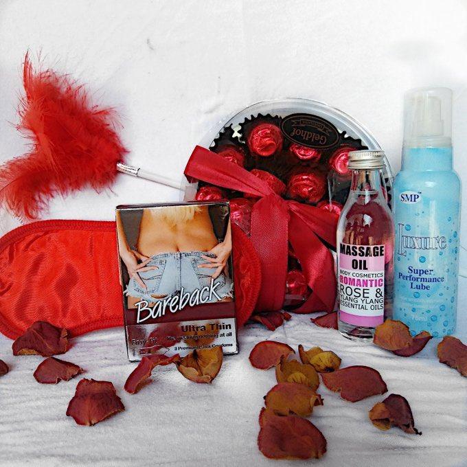 how is your Valentine's Day looking ? #NaughtyOrNice #ValentinesDay #GirlTalkZA #GirlsTalkZA #GirlBuyZApic.twitter.com/CPoTNslhtL