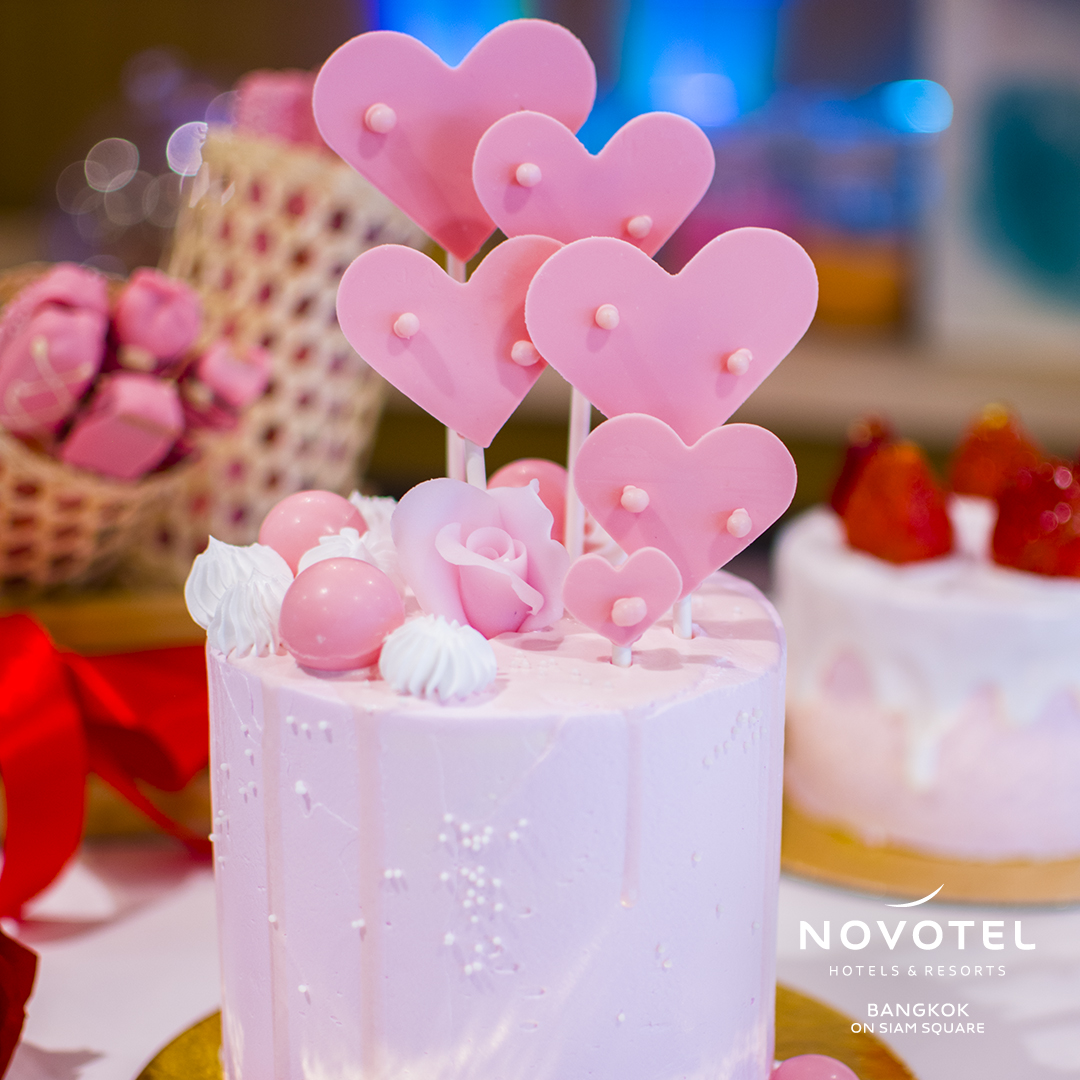 Make Valentine's Day even more special with our sweeties' cakes. Surprise your beloved one with their favorite flavor at Sweet Block! https://t.co/v9JLBMKG35 #ValentinesDay #NovotelSiam https://t.co/4NtFMIxxST