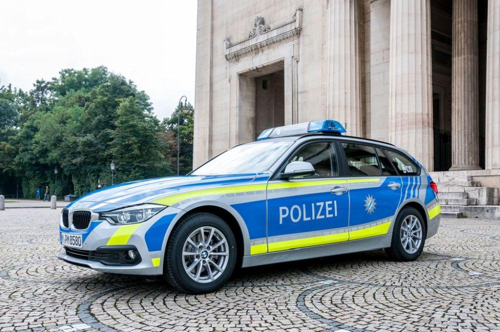 (12.2.2020 - Tödlicher #Unfall in Abensberg) 13.2.2020 Abensberg/Niederbayern. Im Gemeindebereich Abensberg ereignete sich am gestrigen Mittwoch, 12.2.2020, gegen 21.00 Uhr ein Verkehrsunfall bei dem ein ... - auf My Bavaria - Das Bayern-Magazin - http://my-bavaria.com/nachrichten/12-2-2020-toedlicher-unfall-in-abensberg/… -pic.twitter.com/Qg6LxCjCWb