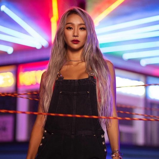 Hyolyn returns with Hug Me Silently on M! Countdown! allkpop.com/article/2020/0…