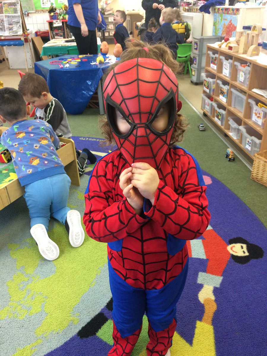 Great fun in our role play #Superheroes pic.twitter.com/EjJEHCeflX