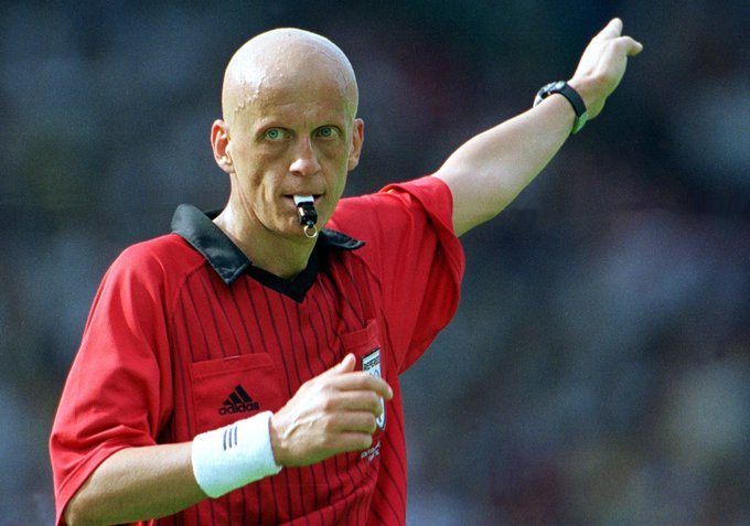 Happy 60th Birthday to the legendary Pierluigi Collina! Arguably the most iconic referee in football.