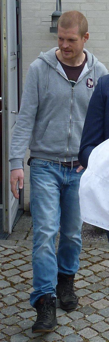 Politiet efterlyser den 33-årige Frederik Dal Hansen #politidk https://t.co/pcwRAk3F4p https://t.co/bb0FGdURxo