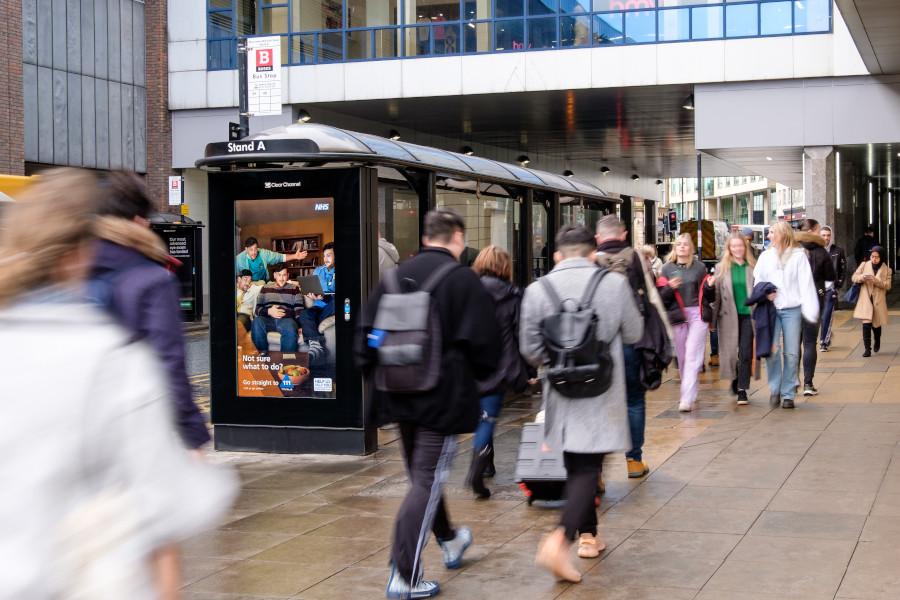 The strongest quarter ever! #OOH reports large growth for Q4 2019 with total revenue up an impressive 4.9%! Annual #OOH revenue for the year was also up 7.6%! Read more:  @pwc_uk #DOOH #growth